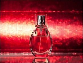 رابطه بین رنگ شیشه عطرها و رایحه آنها